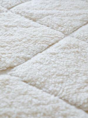 tapis-laine-losanges-relief