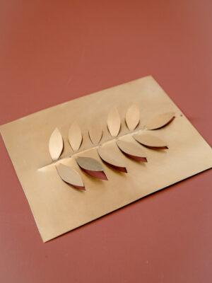 plaque-decorative-laiton